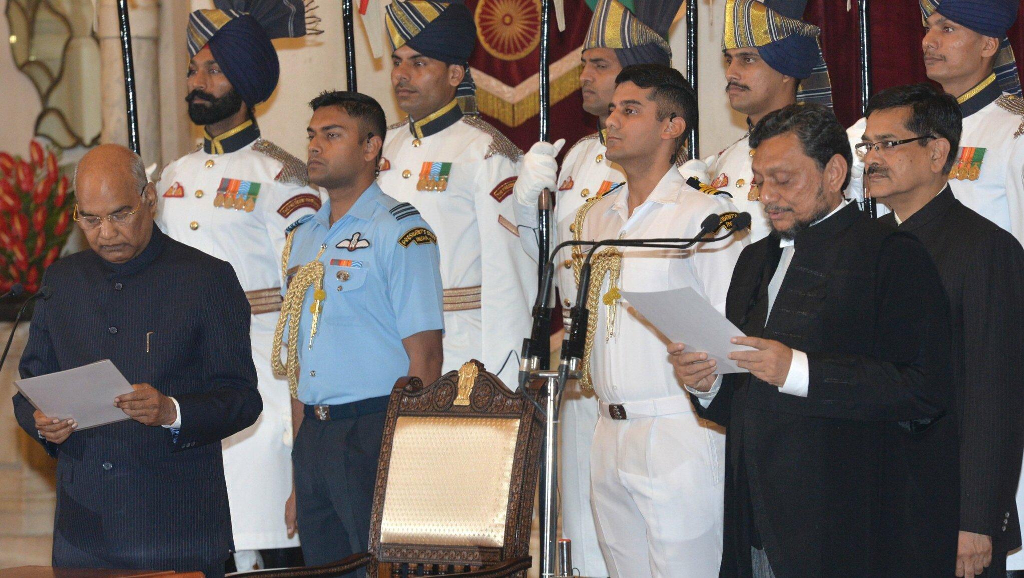 देश के 47वें प्रधान न्यायाधीश बने जस्टिस एस अरविंद बोबड़े, राष्ट्रपति ने दिलाई शपथ