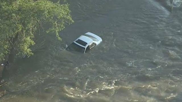उत्तराखंड : गहरे पानी में गिरी कार, 3 लोग लापता, घंटों से तलाश जारी