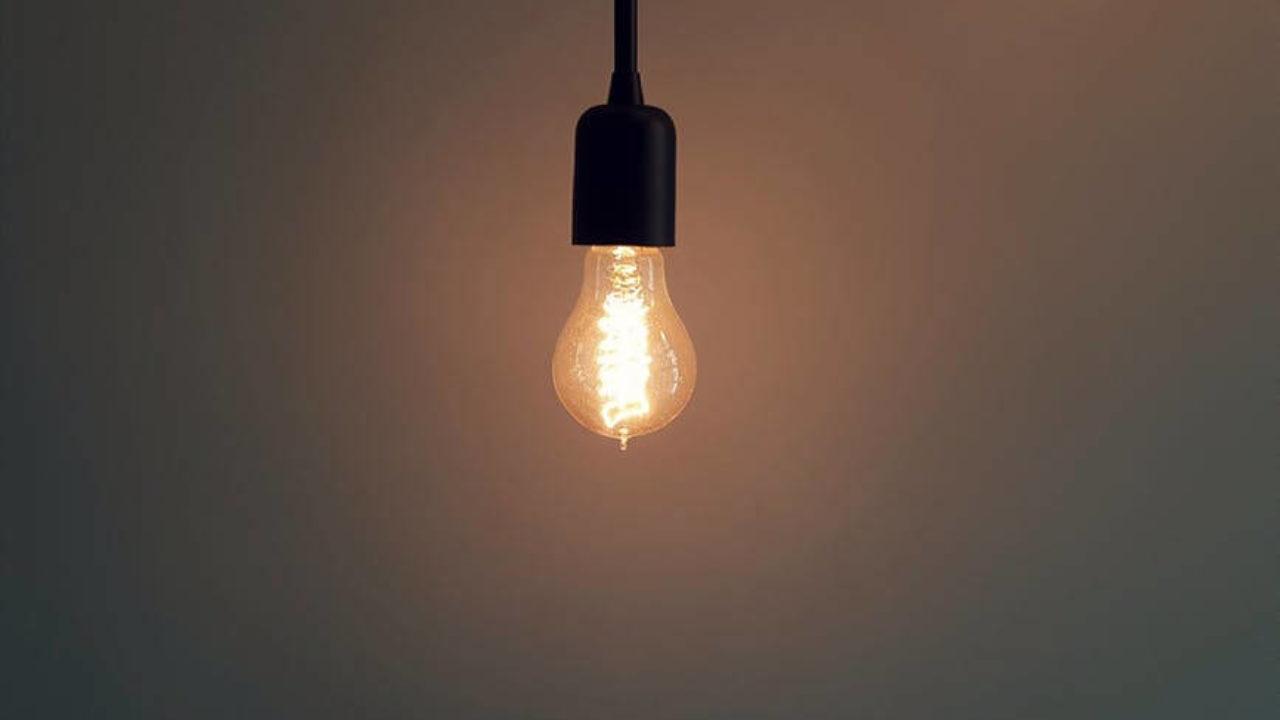 Uttarakhand टॉर्च और मोमबत्ती की व्यवस्था कर लें, दो दिन बिजली ठप रह सकती है