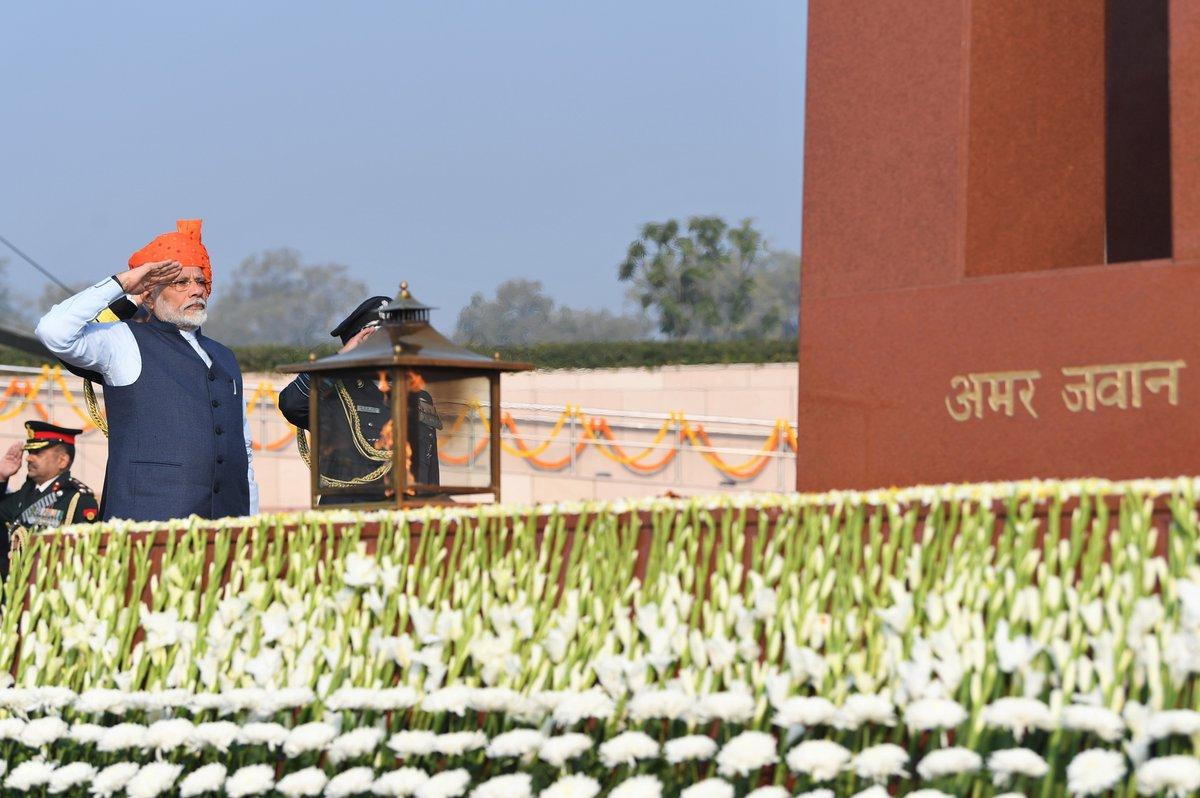 Republic Day 2020 : 71वांं गणतंत्र दिवस धूम-धाम से मना, पूरे देश में तिरंगे का जश्न
