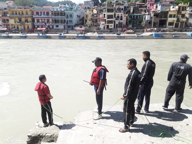 Uttarakhand बागेश्वर में दो बच्चे नदी में बहे, एक का शव बरामद